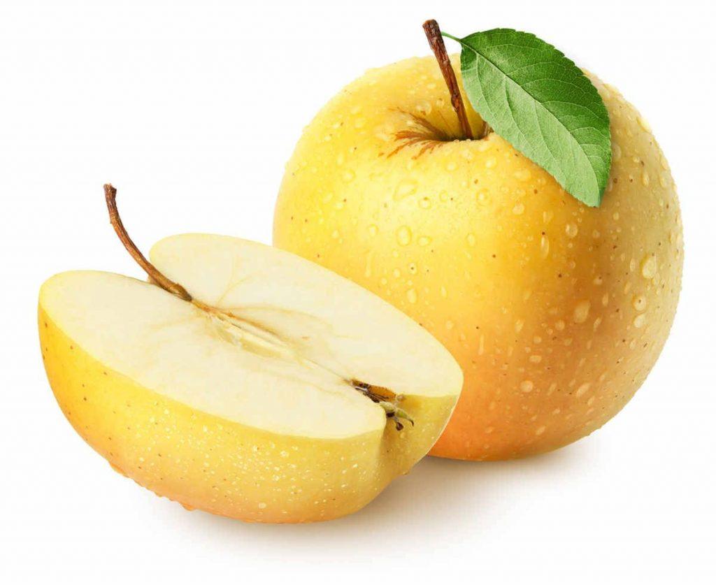 La mela Golden è un particolare tipo di mela gialle, apprezzata per il buon profumo e il gusto dolce e frizzante!